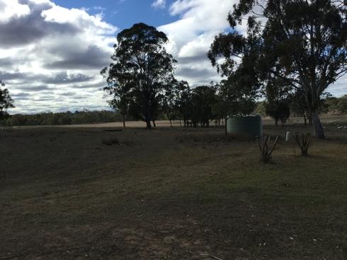 15211 Cunningham Highway Wheatvale, QLD 4370
