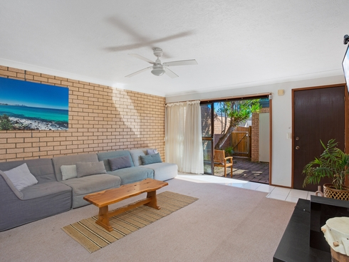 4/105 Christine Avenue Burleigh Waters, QLD 4220