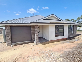 33 Bexhill Avenue Sussex Inlet , NSW, 2540
