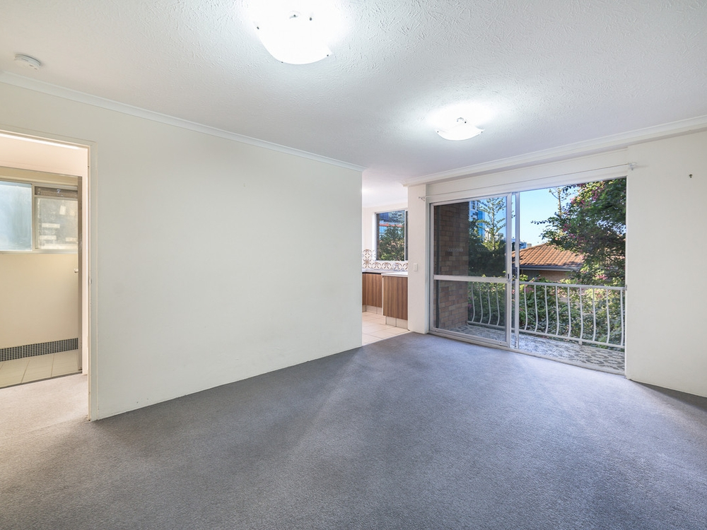 4/25 White Street Southport, QLD 4215