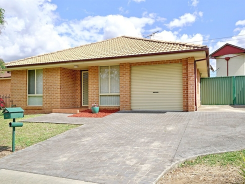 5/17 Poplar Crescent Bradbury, NSW 2560