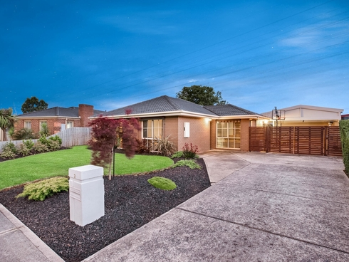 3 Basil Close Hallam, VIC 3803