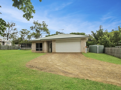78 Middle Street Esk, QLD 4312