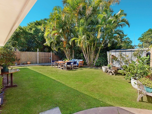 2/27 Leyte Avenue Palm Beach, QLD 4221