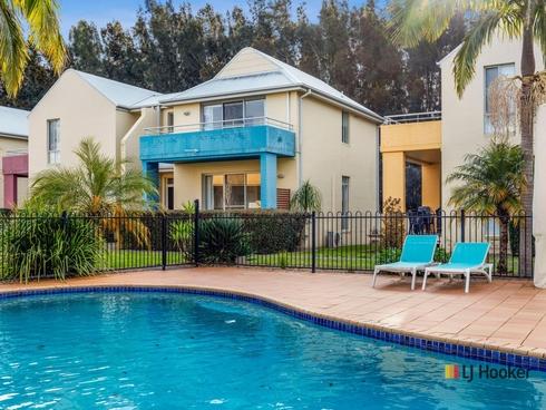 10/1A-1B Myamba Parade Surfside, NSW 2536