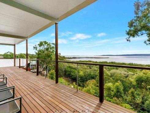 38 Blue Waters Crescent Macleay Island, QLD 4184