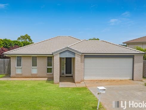 97 Bankswood Drive Redland Bay, QLD 4165