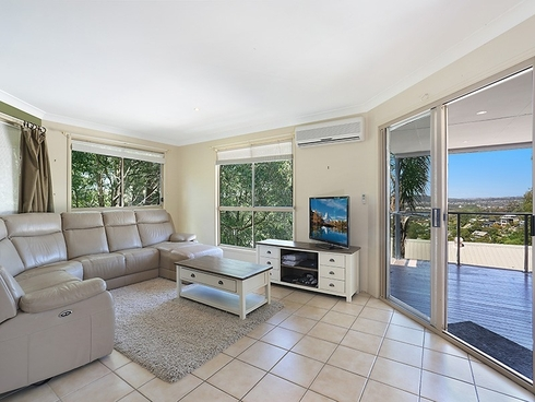 64 Doubleview Drive Elanora, QLD 4221