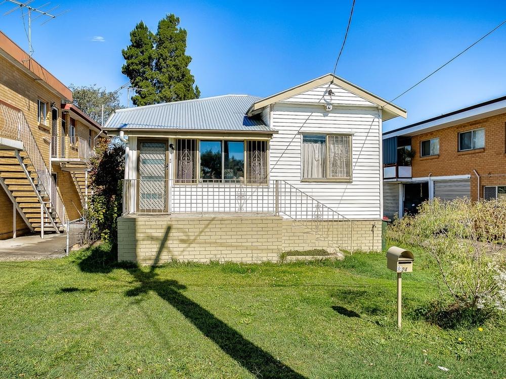 24 Broughton Road Kedron, QLD 4031
