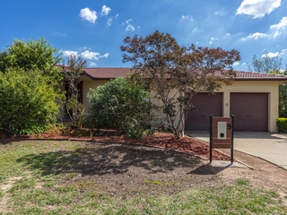 9 Dilboong Place Chisholm, ACT 2905