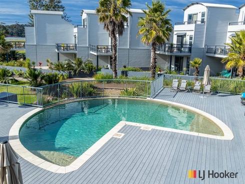 Unit 211/202-208 Beach Road Batehaven, NSW 2536