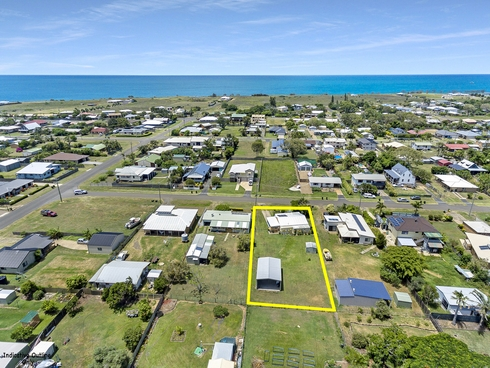 33 Wave Street Burnett Heads, QLD 4670