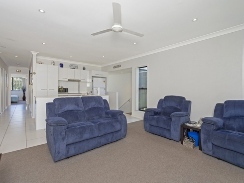 2/13 Chrome Drive Pimpama, QLD 4209