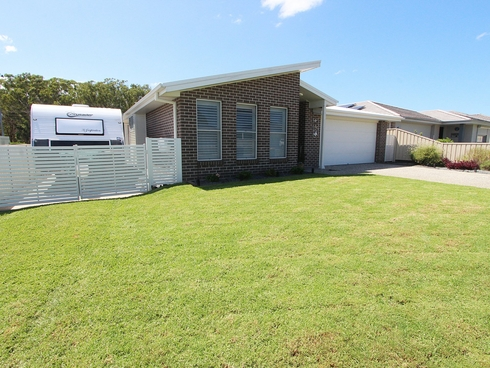 2 Echo Drive Harrington, NSW 2427