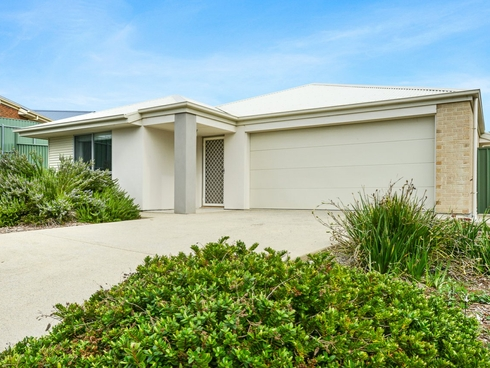 4 Shields Crescent, Encounter Bay, SA 5211