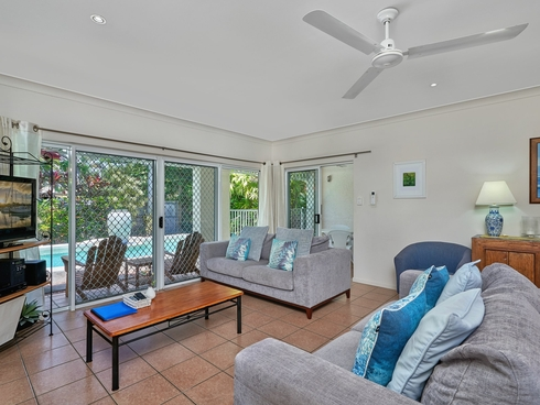7/24 Warren Street Palm Cove, QLD 4879