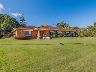 105 Golf Links Rd Woodford Island , NSW, 2463