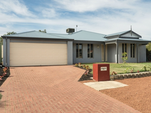 12 Merlin Way Wattle Grove, WA 6107