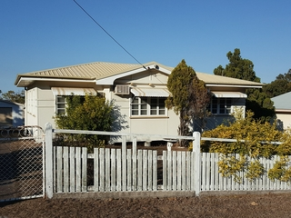 186 Oaka Street South Gladstone , QLD, 4680