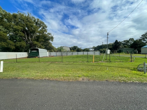 52 Laurel Street Russell Island, QLD 4184