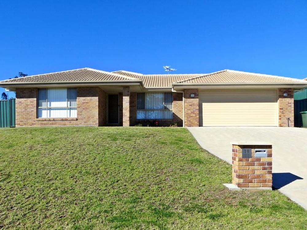 19 Dixon Circuit Muswellbrook, NSW 2333