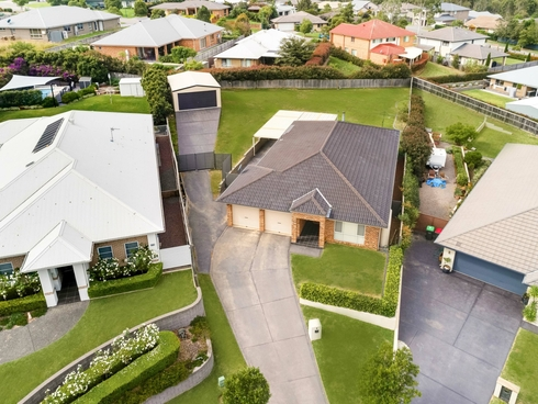5 Galeff Place Bolwarra Heights, NSW 2320