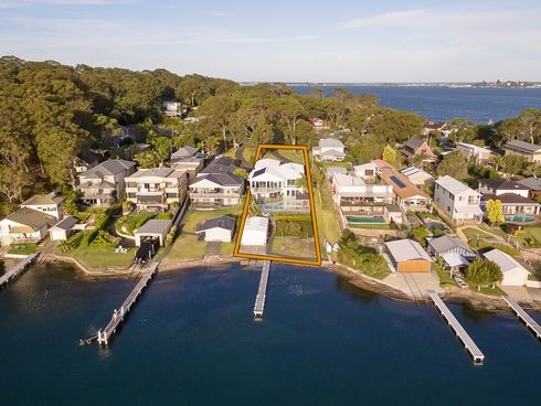 11 Grant Road Coal Point, NSW 2283