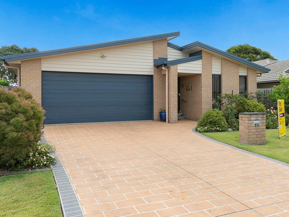 19 Janelle Court Wellington Point, QLD 4160