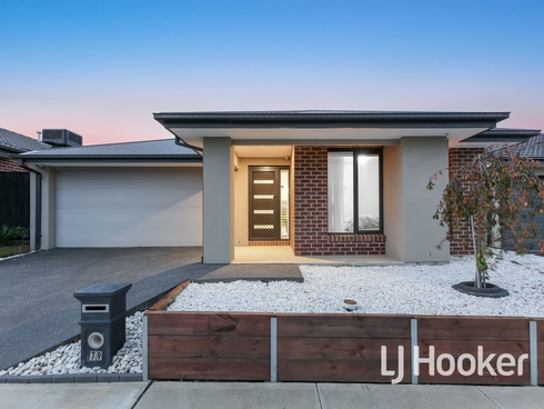 79 Waterman Drive Clyde, VIC 3978