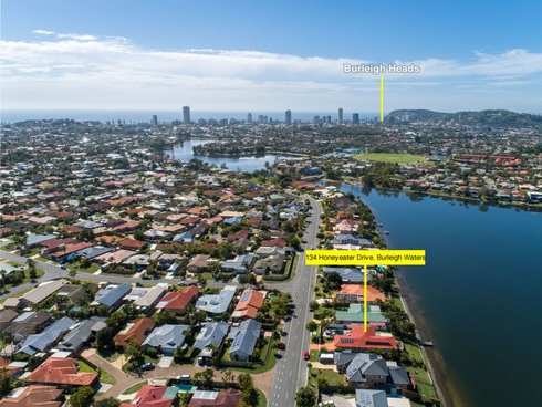 134 Honeyeater Drive Burleigh Waters, QLD 4220