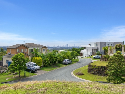 38 Tara Vista Boulevard Highland Park, QLD 4211