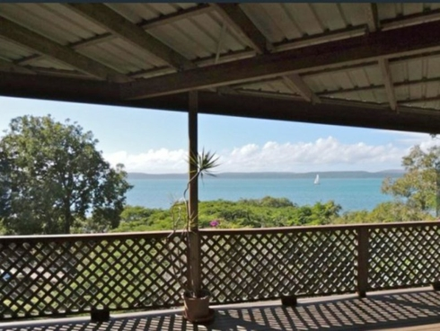 10 Koonwarra Parade Macleay Island, QLD 4184