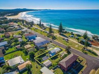 72 Ocean Road Brooms Head , NSW, 2463
