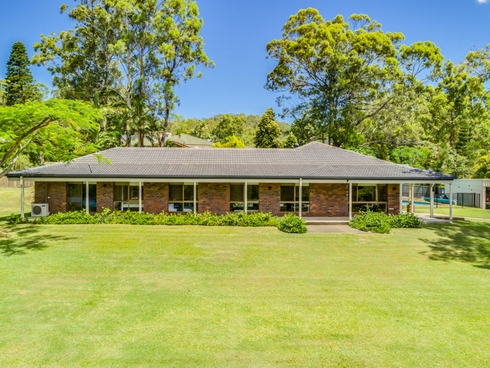 38 Winderadeen Drive Highland Park, QLD 4211