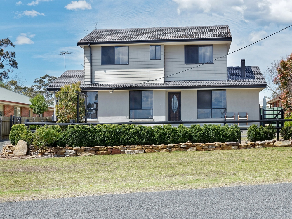 58 Ella Street Hill Top, NSW 2575