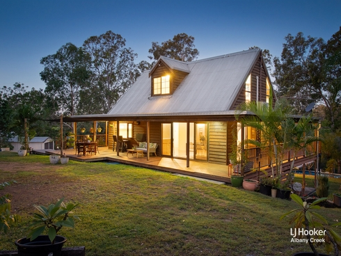 17 Eden Drive Eatons Hill, QLD 4037