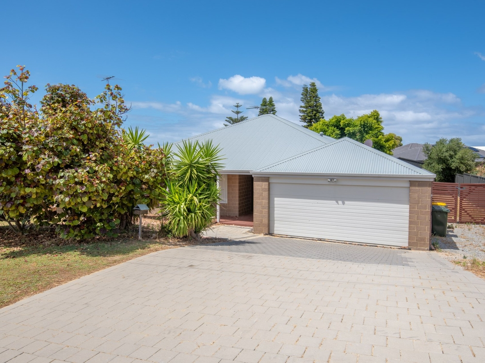 5 Evans Place Two Rocks, WA 6037