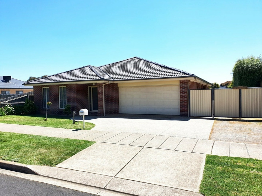 32 Clyde Avenue St Leonards, VIC 3223