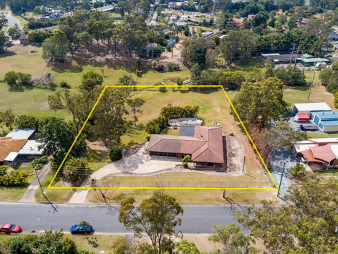 9 Hammond Drive Gaven, QLD 4211