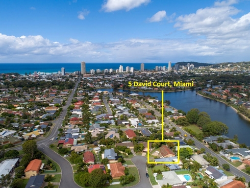 5 David Court Miami, QLD 4220
