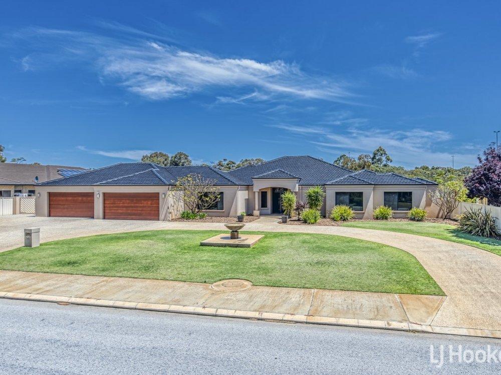 121 Southacre Drive Canning Vale, WA 6155