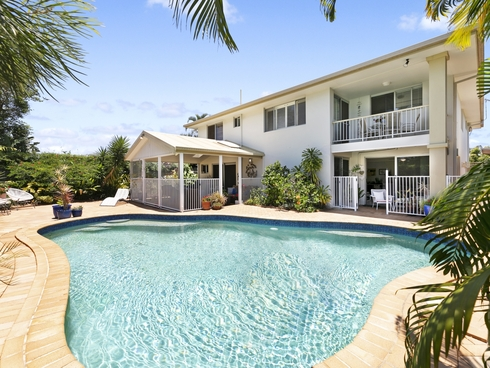 3 Corella Avenue Burleigh Waters, QLD 4220