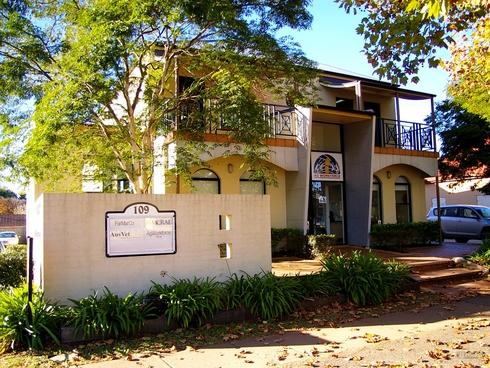 FF Suite 3/109 Herries Street East Toowoomba, QLD 4350