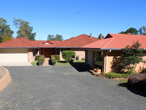 8 Forest Grove Fairy Hill, NSW 2470