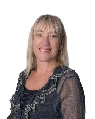 Corina Collins profile image
