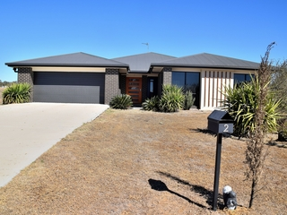 2 Condavale Drive Rosenthal Heights, QLD 4370