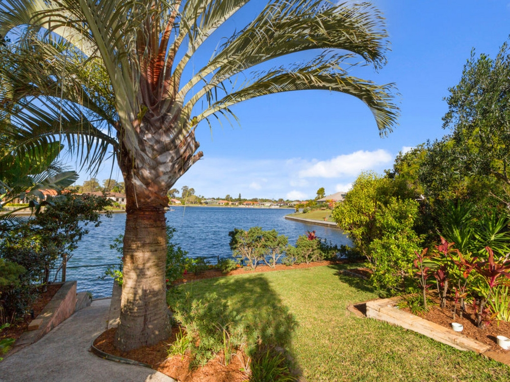 7 Taupo Court Coombabah, QLD 4216
