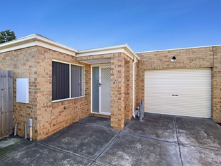 2/94 Rokewood Crescent Meadow Heights , VIC, 3048