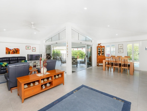 6 Outrigger Place Safety Beach, NSW 2456
