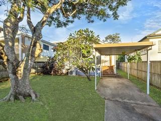 34 Crump Street Holland Park West, QLD 4121